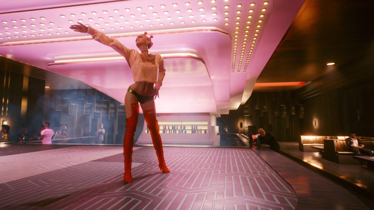 Cyberpunk 2077 Sex-Kolumne Knapp bekleidete Tänzerin auf Bühne eines Edelclubs