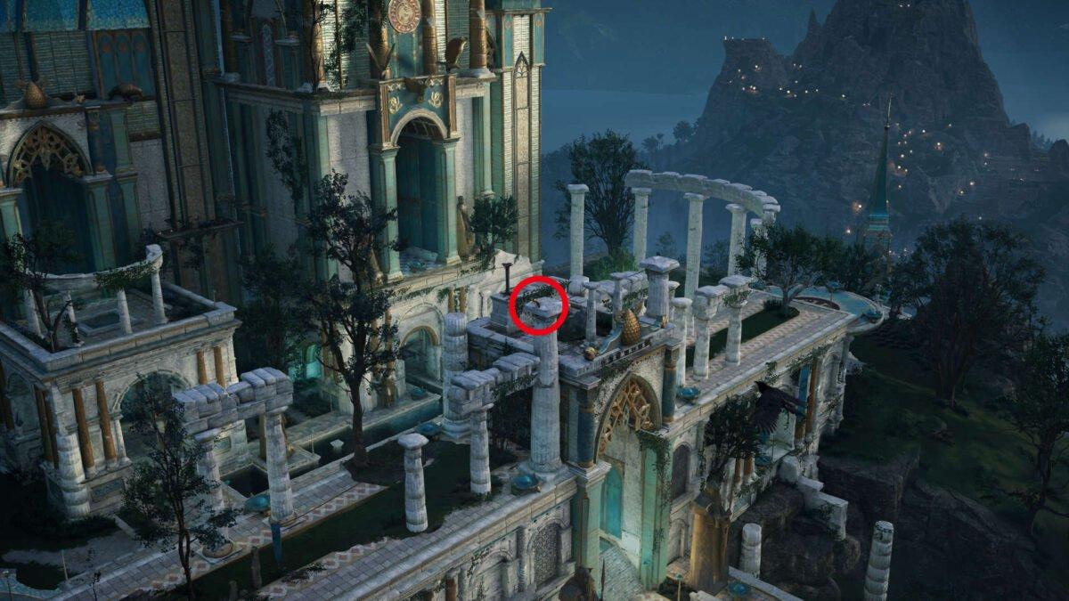 Eine rot markierte Katzenstatue am Schloss von Asgard in Assassin's Creed Valhalla.