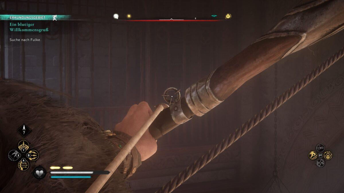 Eivor spannt den Recurvebogen um auf ein Vorhängeschloss in Assassin's Creed Valhalla zu schießen.