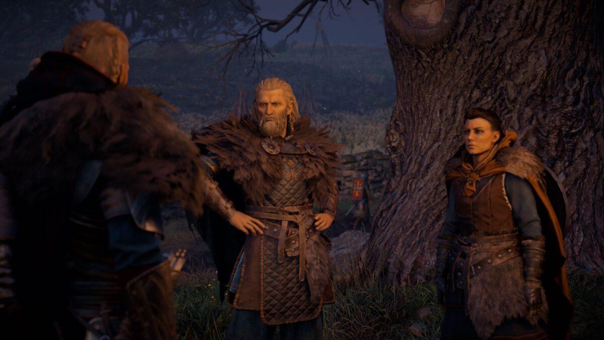 Eivor spricht mit Gudrum und Soma in Assassin's Creed Valhalla.