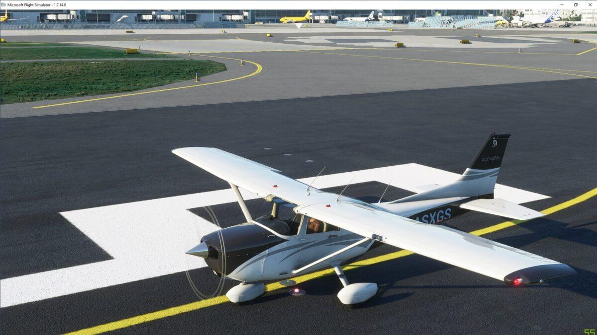 Außenansicht der Cessna 172 Skyhawk auf Runway 24C des Frankfurter Flughafens im Flight Simualtor 2020