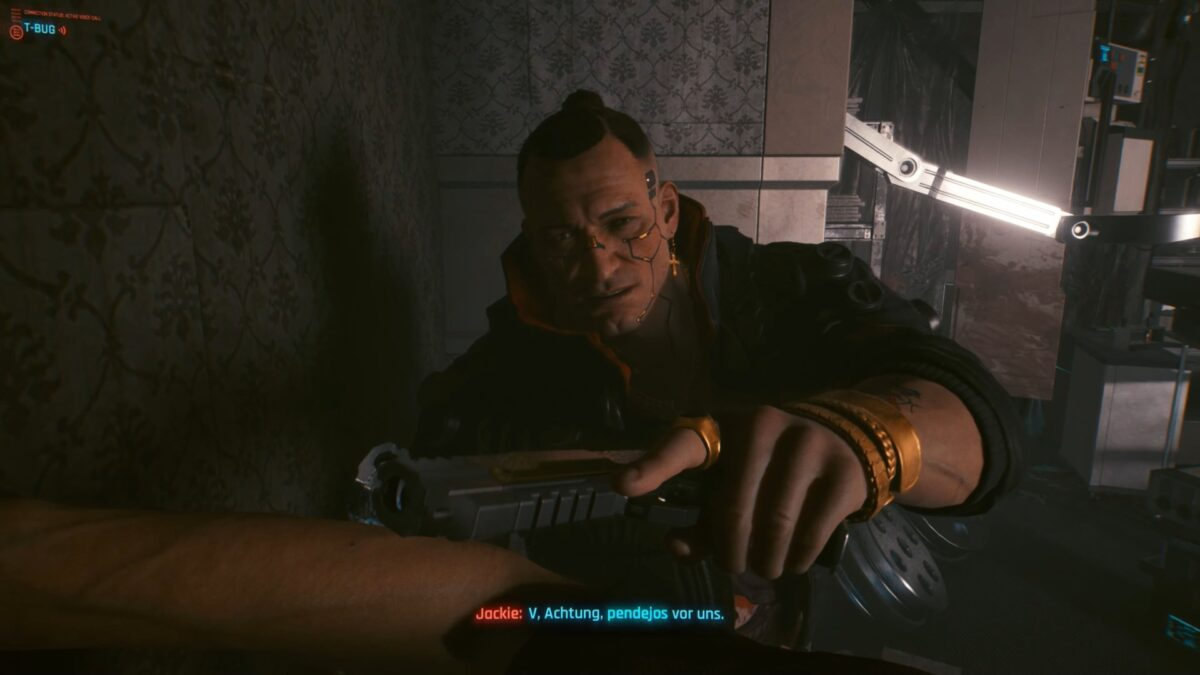Jackie warnt V während der Rettungsaktion in Cyberpunk 2077.