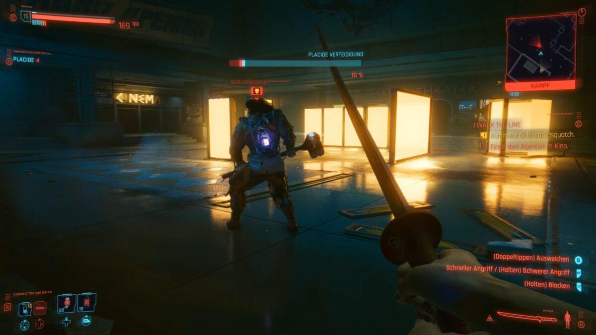 Sasquatch steht in Cyberpunk 2077 während des Kampfs mit dem Rücken zu Protagonist V.