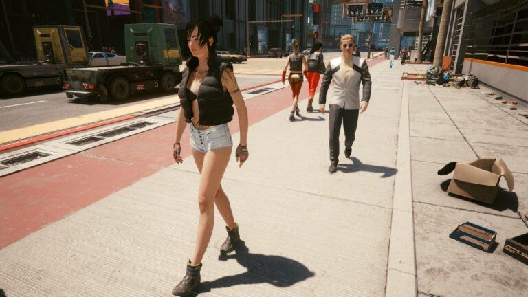 Weiblicher NPC mit Hotpants und schwarzer Jacke in Cyberpunk 2077