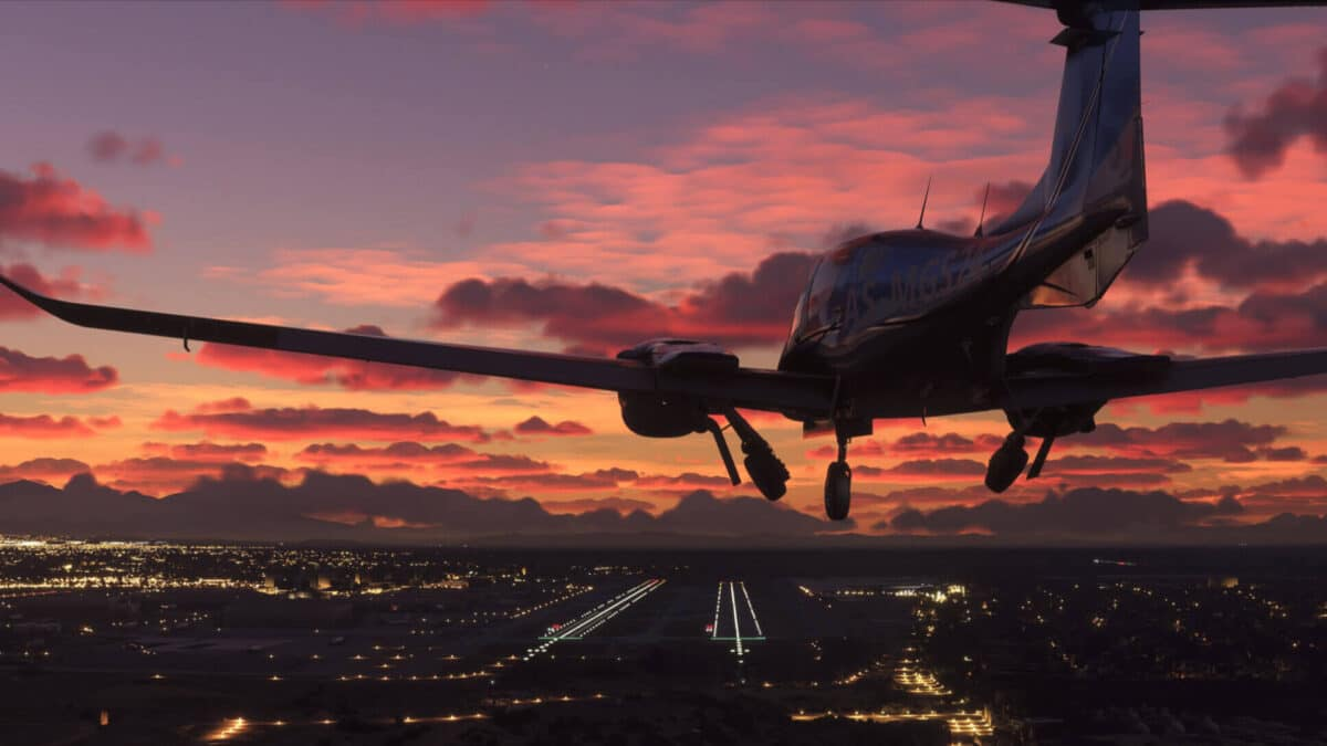 Flugzeug in der Abenddämmerung beim Anflug auf einen Flughafen im Microsoft Flight Simulator 2020