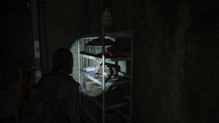 Upgrade-Teile im Lagerraum 1, rechts vom toten Clicker in den Tunneln.
