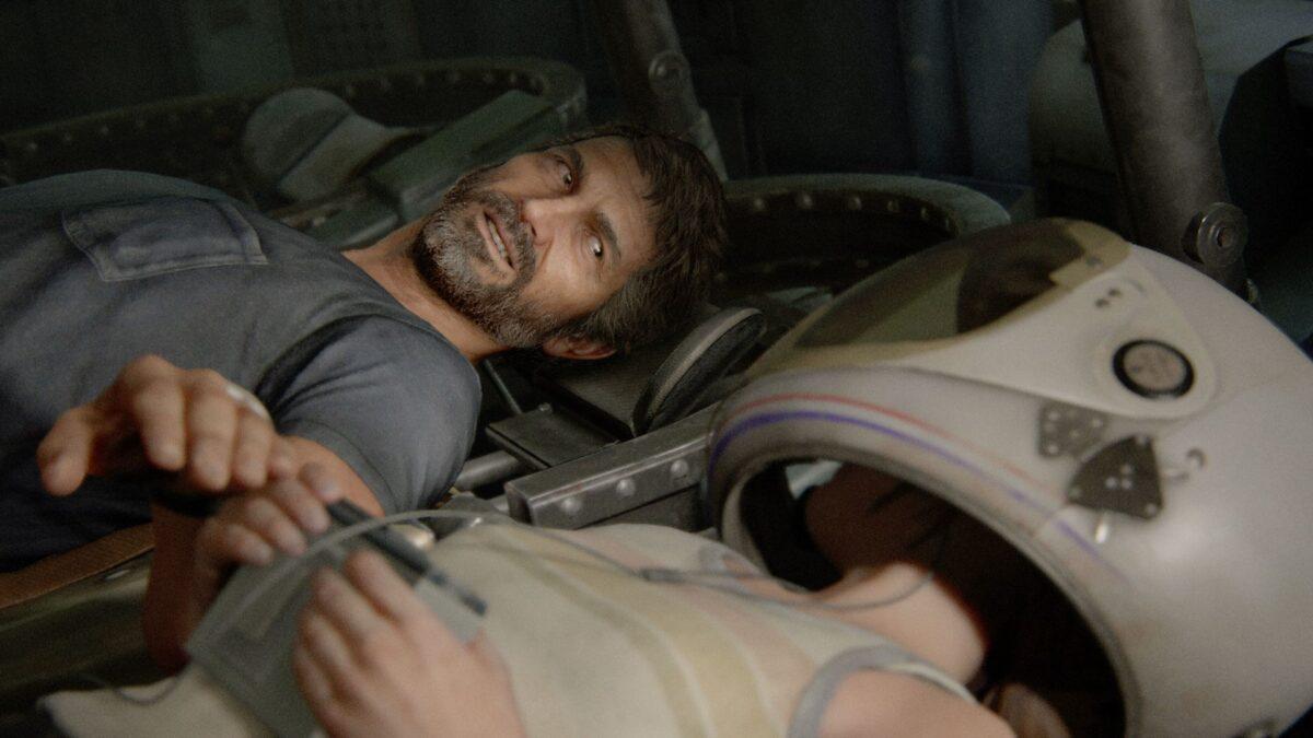 Joel und Ellie liegen in The Last of Us Part 2 in einer Raumkapsel des Museums.