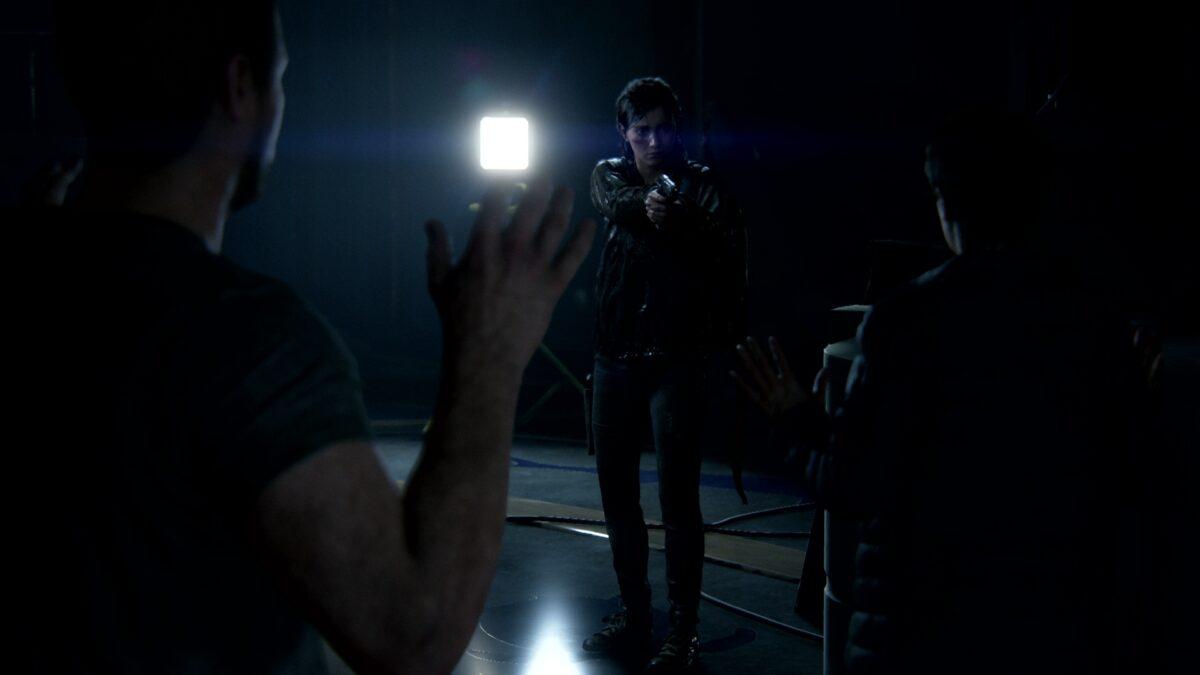 In The Last of Us 2 stellt Ellie Owen und Mel im Aquarium.