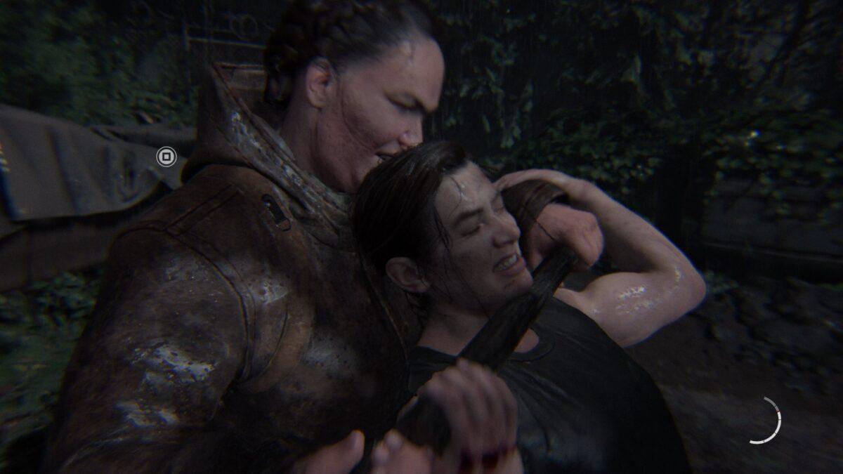 Abby wird in The Last of Us 2 von einer großen Seraphitin gewürgt.