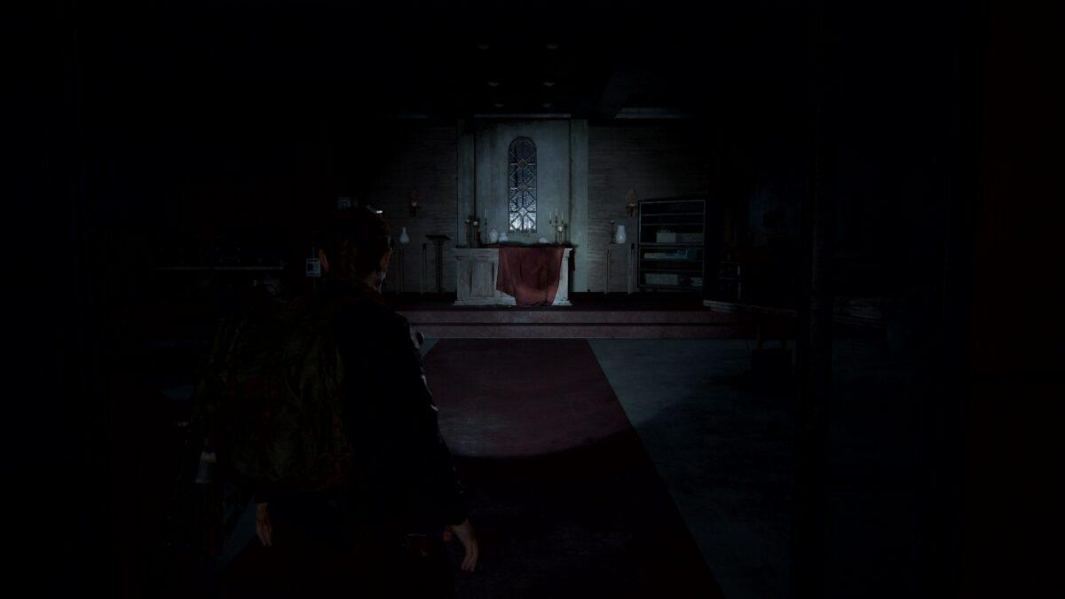 Abby betritt in The Last of Us 2 die Kapelle im Krankenhaus.