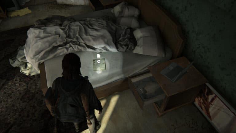 Auf einem Schlafzimmerbett das Artefakt Chevys Entschuldigung