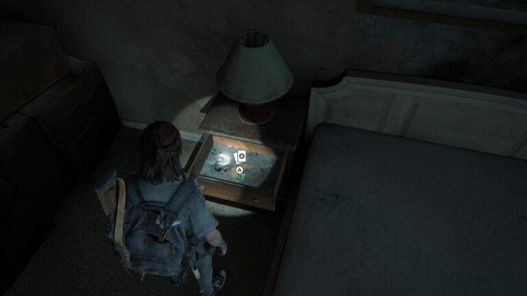 In einer Schublade liegt die Sammelkarte Star Sign in The Last of Us 2