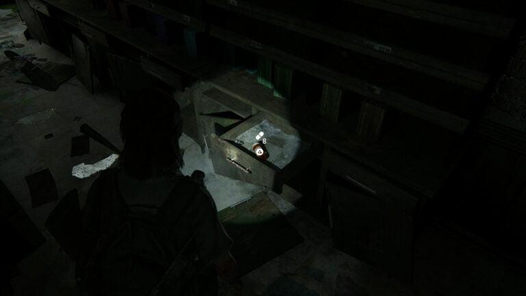 8 Zusätze in der Schublade auf der linken Seite bei Caroline Paper Co. in The Last of Us 2
