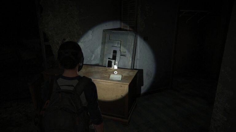 """Ellie findet das Artefakt """"Taras Einladung"""" auf einem Schrank in The Last of Us 2"""