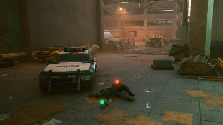 Cyberpunk 2077 Kleidung-Guide Toter Polizist bei Polizeiwagen in Seitengasse