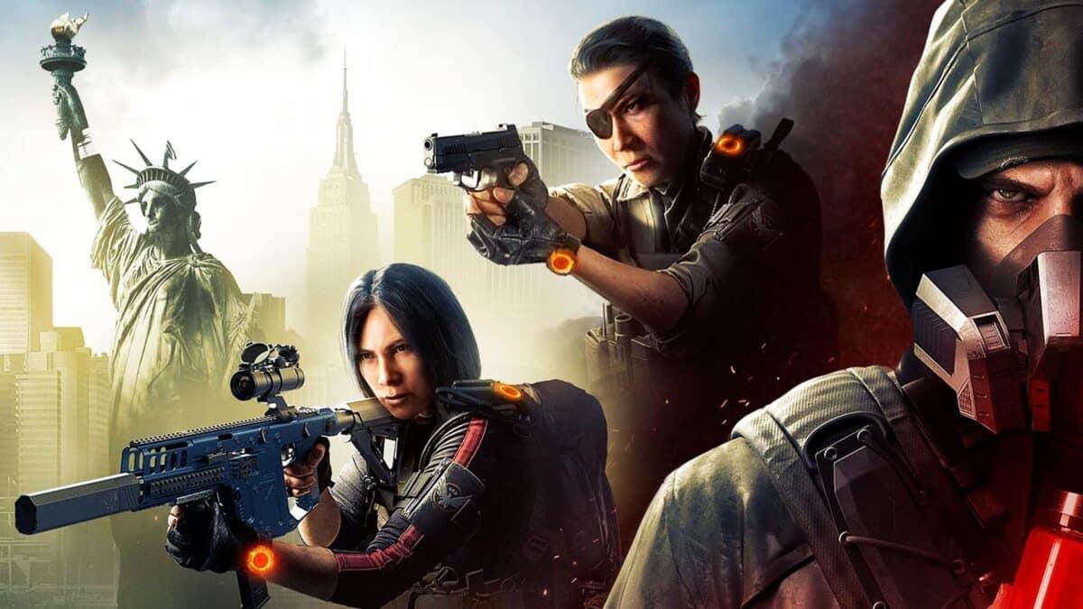 Agent Kelso, Agent Liao und Aaron Keener posieren vor der Kulisse von New York.
